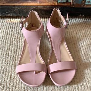 Pink Kenneth Cole Reaction sandals